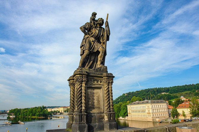 Charles Bridge: Self-guided tour photo 9