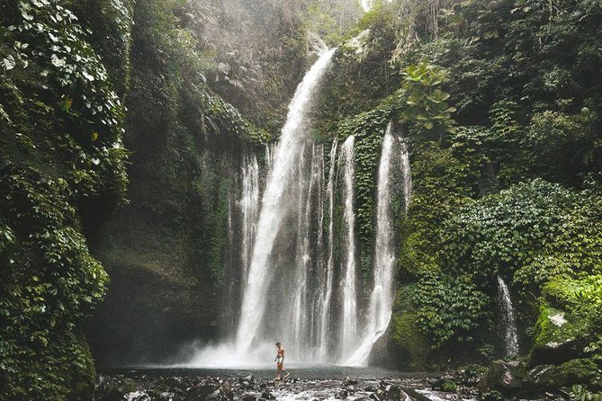 private tours to waterfall lombok photo 1
