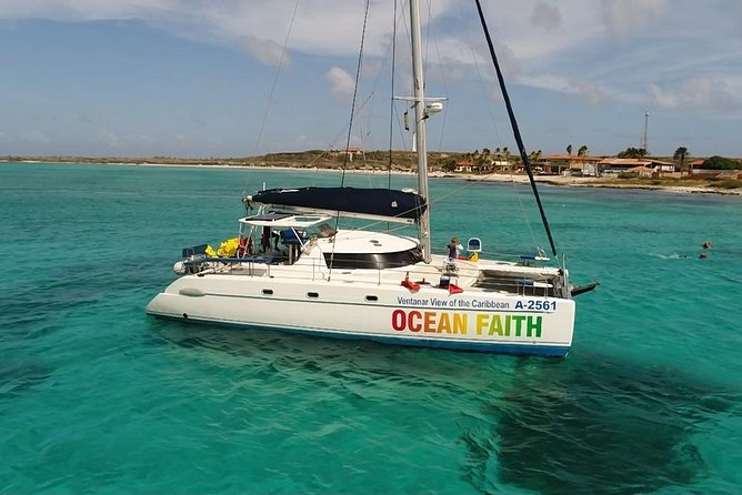 Catamaran Sailing Trip with Ocean Faith Watersport Tours Aruba, Cruise Eagle Beach, LIghtHouse and Harashi Beach