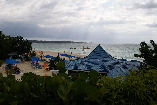 Negril beach and bar trips