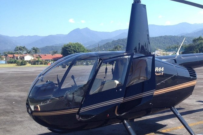 Private Helicopter Tour over Rio - 03 people - 45 minutes