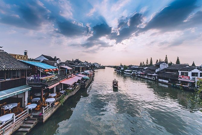 Zhujiajiao Water Town Layover Tour from Shanghai Airport
