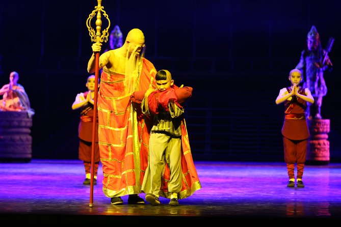 Kungfu Show with Private Driver Service Include Hotel Pick-up and Drop-off