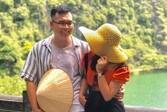 Private couple anniversary: Hoa Lu - Tam Coc - Tuyet Tinh Coc+ foot massage 45'