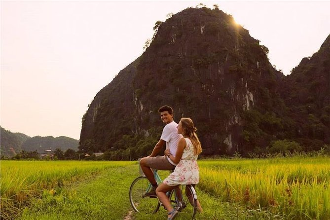 Full-Day Ninh Binh Bike, Boat & Hike Tour from Hanoi & Simcard
