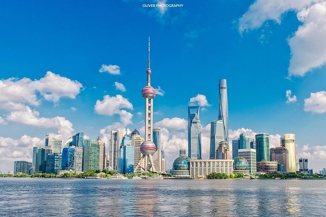Shanghai Airport Stopover Private Tour to Jade Buddha Temple, Yu Garden and Bund