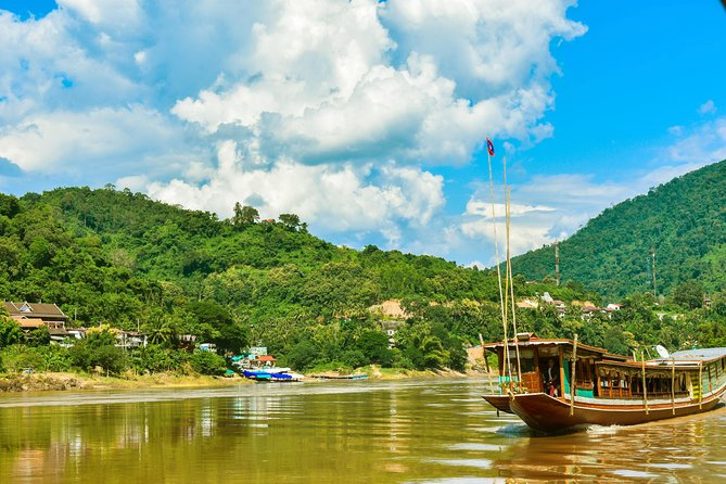 Mekong Cruise down Adventure 3 days, 2 nights by Public boat
