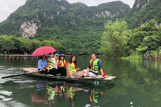 Package Hanoi - Ninh Binh ( Hoa Lu - Tam Coc ) Trip 2 Days 1 Night