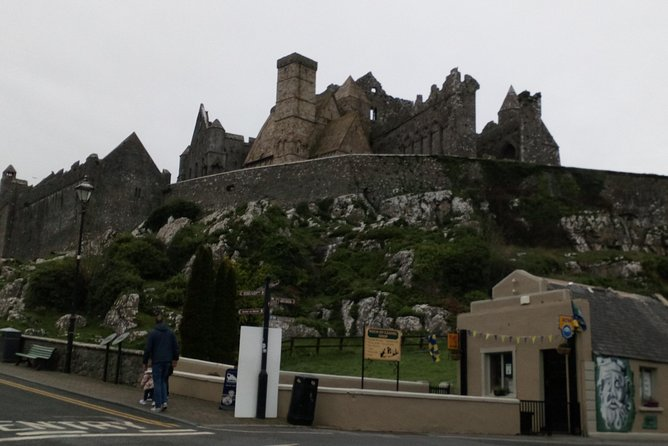 Dublin City To Rock Of Cashel Private Chauffeur Full Day Sightseeing Round Trip