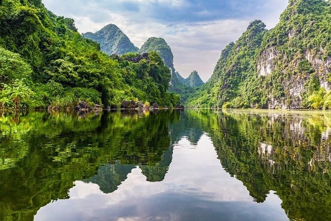 Hanoi, Ninh Binh,Hoa Lu-Tam Coc with buffet lunch, biking, boating,hiking