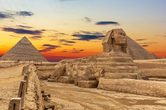 Cairo : Guided Day tour to Giza Pyramids &Sphinx and Egyptian Museum of Antiques