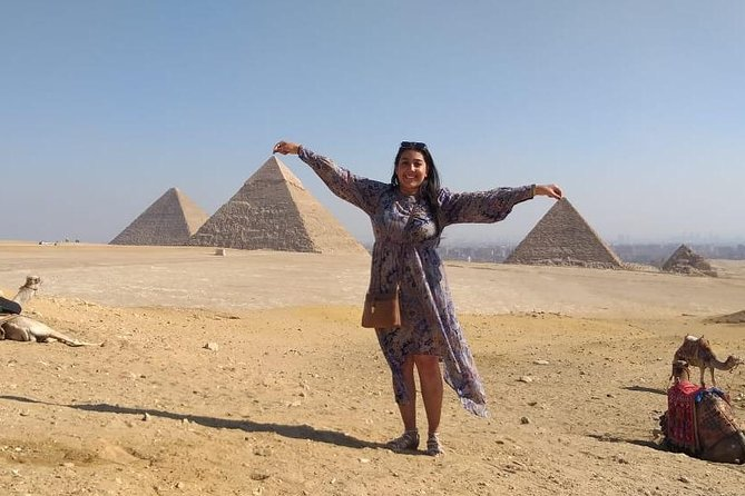 An excellent Tour to Pyramids of Giza, Memphis and Saqqara including camel ride