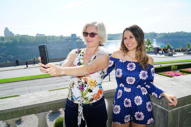 Premium Niagara Falls Day Tour from Toronto with Hornblower Niagara Cruise