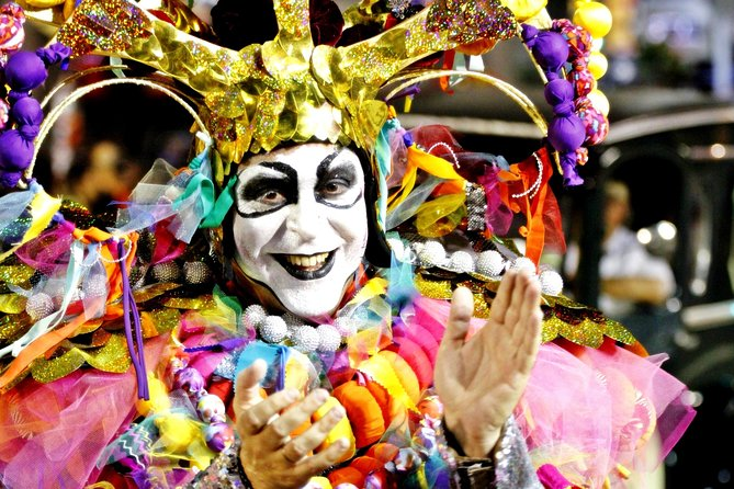 Live Carnival as a Local Citizen in a Popular Tablado