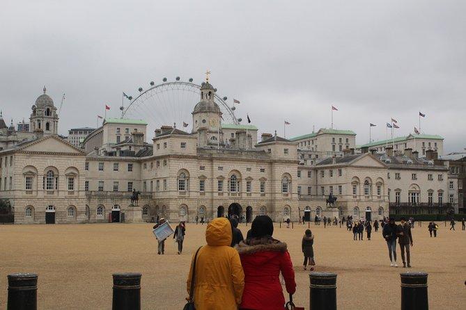 Private Transfer: Central London to Southampton Cruise Port Via Windsor Castle