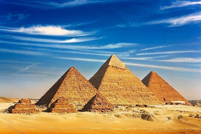 Giza Pyramids and Cairo in Private Tour for 8 hours