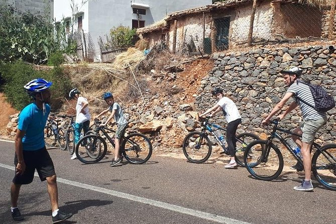 Discover Paradise Valley by Biking&Hiking