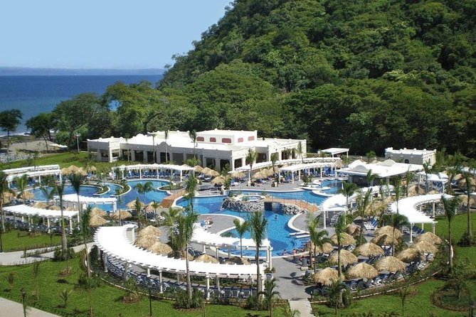 Private Transfer From Liberia Airport To Riu Guanacaste or Riu Palace photo 8