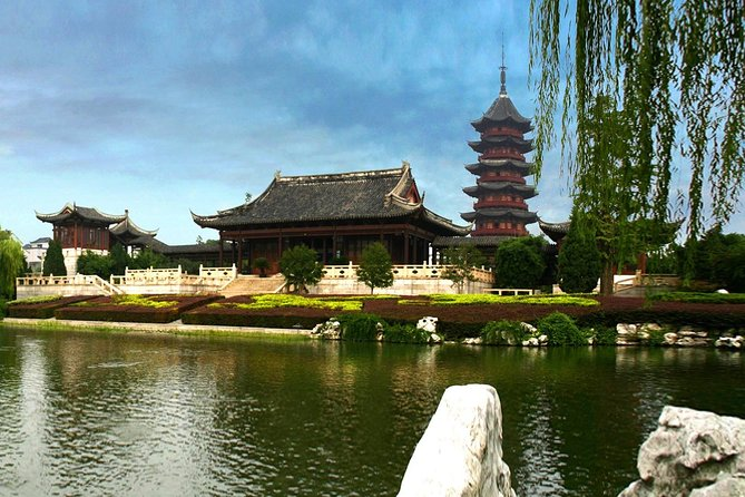 Suzhou Private Tour including Panmen Gate, Pingjiang Road and Classical Gardens