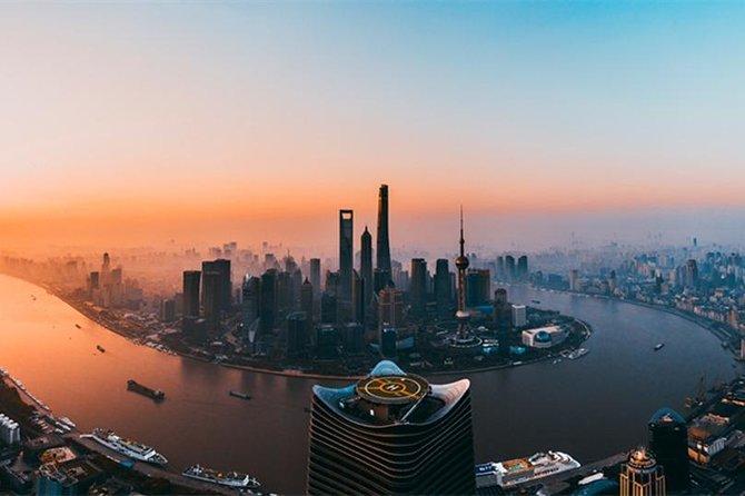 Private Tour by Metro for Classic Attractions with Shanghai Ocean Aquarium