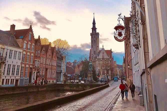 Live - virtual walking tour through Bruges