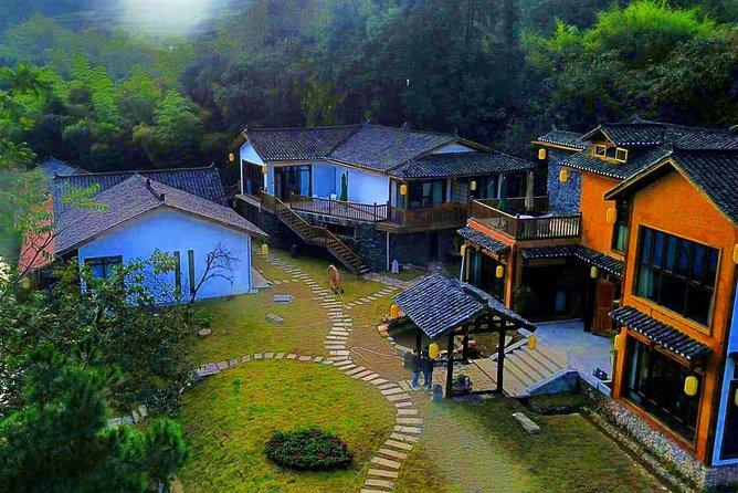 4 Days Zhangjiajie Classic Tour&Activities (Luxurious Mountain&Lake View Hotel)