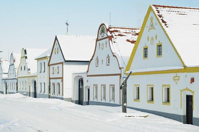From Prague: Český Krumlov and Holašovice Guided Tour