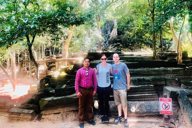 Visit Kbal Spean - Banteay Srei and big tour in 1 day