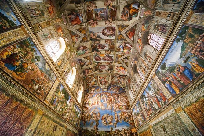 12 People Guided Tour: Vatican Museums, Sistine Chapel and Colosseum photo 2