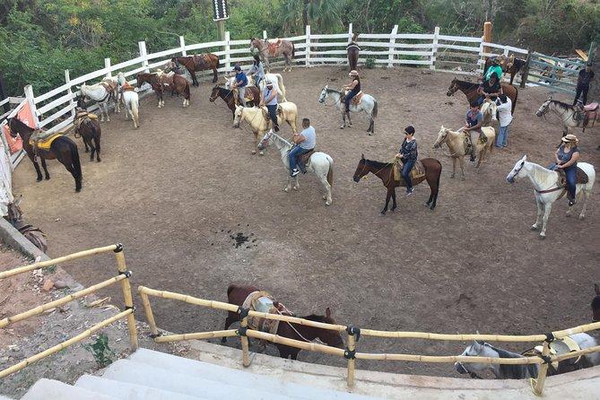 El Salto Horseback Ride Tour