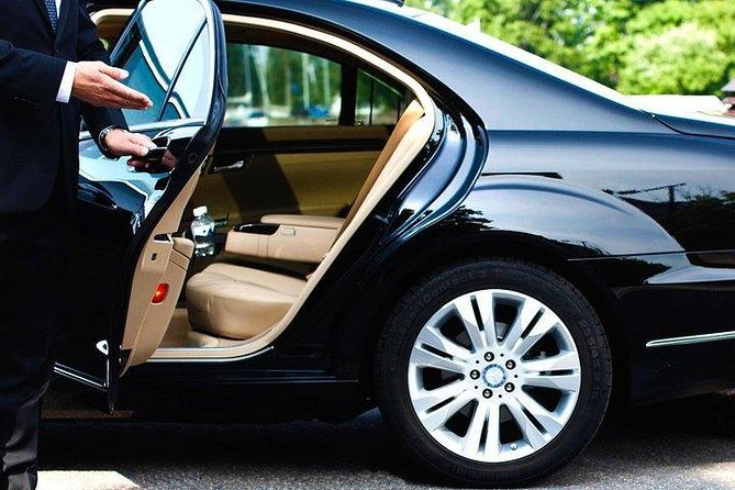 Charter Tan Son Nhat International Airport Transfer to Ho Chi Minh City