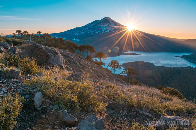Trekking Conguillio National Park and sunrise in Batea Mahuida / 2days