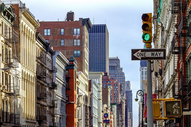 Best of NYC Private Half-Day Lower Manhattan Limousine Tour