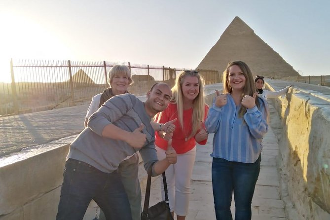 Giza pyramids, sphinx and museum day tour form Cairo / Giza hotel