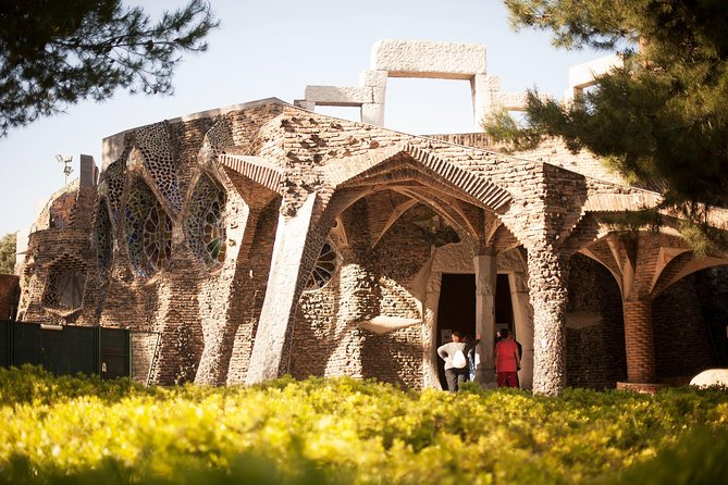 Unknown Gaudi, Tapas & Cava Winery from Barcelona (Private Tour Optional)