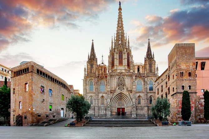 Cathedral of Barcelona and Gothic Quarter Virtual Reality Walking Tour