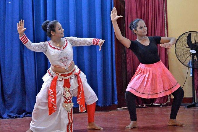 Sri Lankan Drum & Dance Lesson
