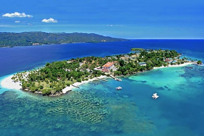 Cayo Levantado at Bacardi Island including Boat transfer, Lunch and Snorkeling
