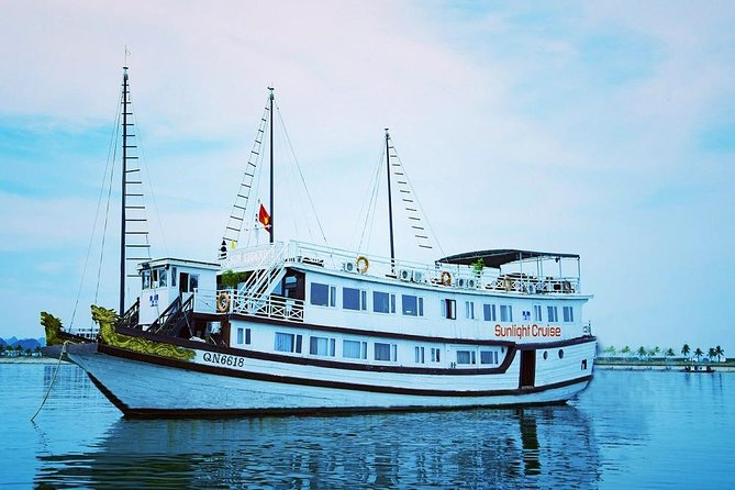 Halong bay boutique cruise 2 days trip: Kayaking, swimming & caving tours
