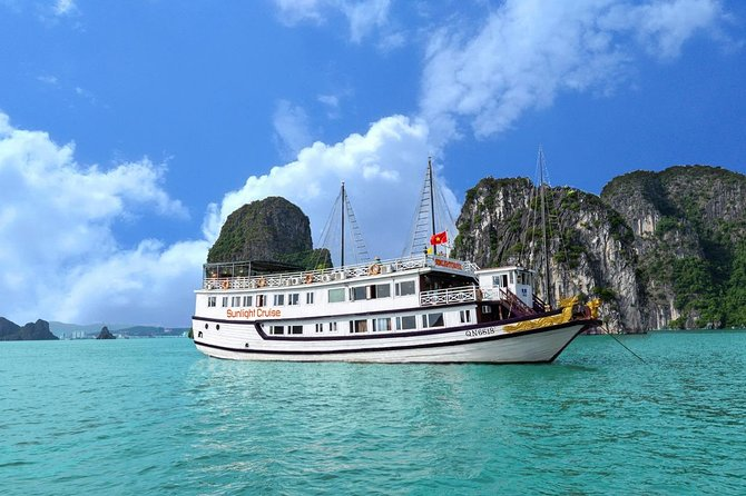 Halong bay deluxe cruise 2 days/ 1 nights: full meals, Kayaking & Swimming