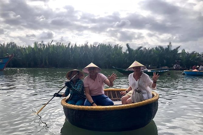 Guided Tour to Ride Basket Boat & Hoi An Walking Tour, Night Market, Lanterns,