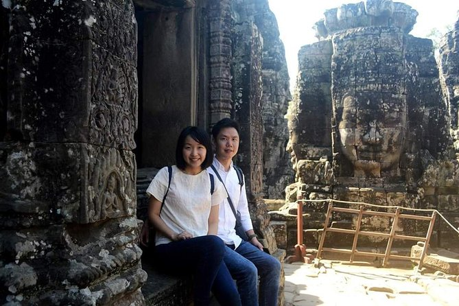 Siem Reap - VIP Angkor Small tour with Banteay srei-inclusive temple Lunch