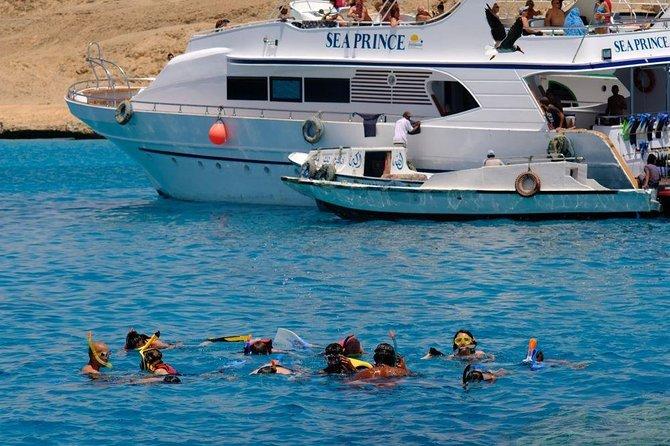 Marsa Alam Snorkelling Marsa Mubarak and Marsa Shona from boat
