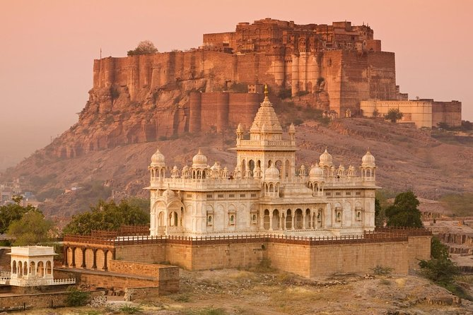 Private One Way Transfer From Jaipur To Jodhpur With Optional Stop at Pushkar