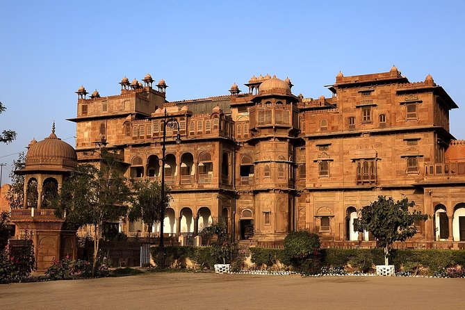 Bikaner Full Day Sightseeing with Junagarh Fort & Temples and Lunch