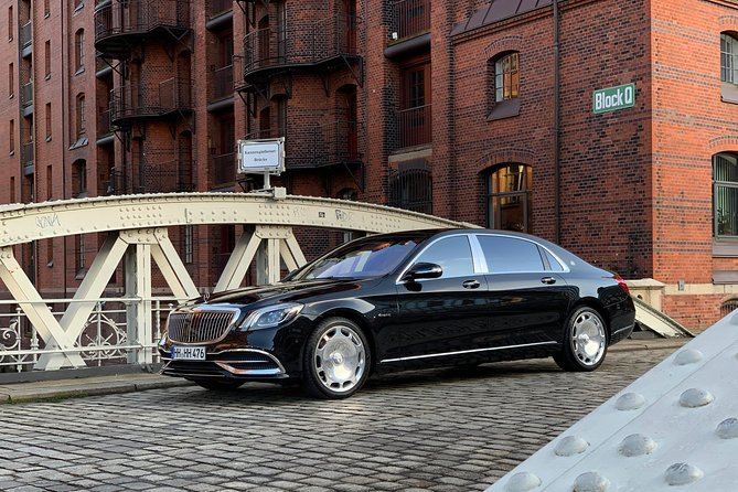 Private sightseeing tour with a luxury sedan - Mercedes-Maybach