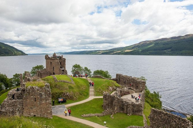 Loch-Ness, Urquhart Castle & Culloden Battlefield photo 3