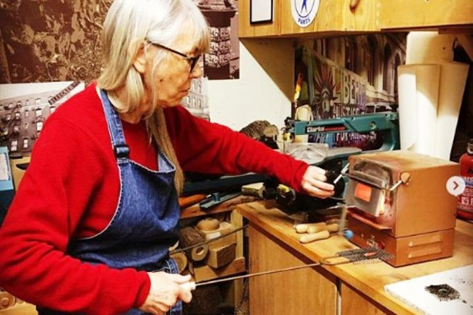 Jewellery Enameling with a Designer