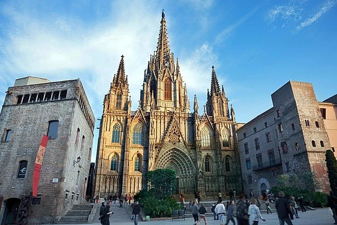 Barcelona Old Town Private Tour with Hotel Pickup