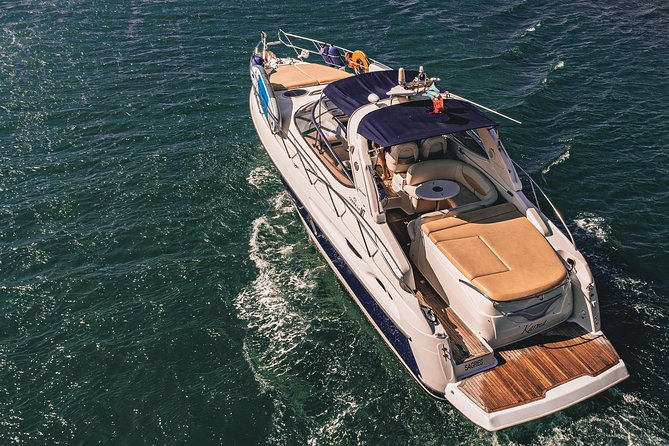 Private yacht to Benagil sea caves